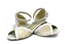 Sapatilhas / Peep Toe / Alpargatas / Espadrilhe / Rasteira / Trabalhamos com calçados femininos.