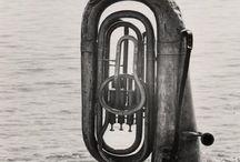 Tuba / De zware jongens in de fanfare. Tuba www.fanfarecorps-hs.nl