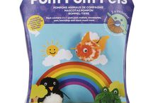 Kids Arts And Crafts / A great selection of creative arts and craft which are perfect for Birthday or Christmas Gifts.