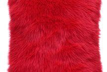 Poduszka dekoracyjna CZUPER czerwony/Faux fur pillow CZUPER red / Poduszka dekoracyjna CZUPER czerwony/Faux fur pillow CZUPER red