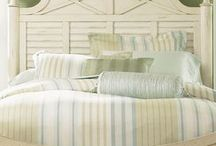 boat house bedroom / by Debi McMillan