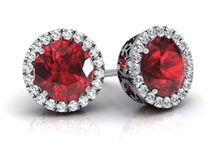 July Birthstone Jewelry / Beautiful and classic birthstone jewelry that showcases the ruby gemstone.
