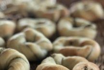 天然酵母 / あこ酵母、白神酵母、ホシノ天然酵母、自家製酵母・・・天然酵母は本当に深い味わいで幸せになりますよね。天然酵母で作ったパンの写真お待ちしています!