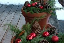 A Christmas Garden! / Gift ideas and Decorations to spruce up your garden to add holiday cheer!