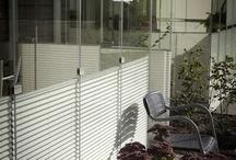 Solskydd Balkong / Bor du i lägenhet med inglasad balkong? Plisségardiner är perfekta för att skapa vackra och trivsamma miljöer, bevara behaglig temperatur på den inglasade balkongen och skydda från insyn.