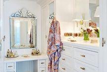 Walk-in wardrobe/closet