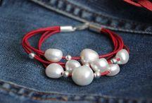 pulseras cuero / pulseras con perlas