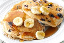 Lunch / Blueberry and banana pancakes