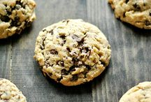 """""""Me want cookie! Me eat cookie!"""" Cookie Monster / Cookie recipes"""