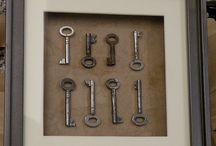 Keys / by Kappa Kappa Gamma Albuquerque Alumnae Association