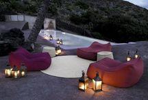 Exterieur - Außenbereich - Outdoor Ideen / Hier finden Sie tolle Ideen für Ihre stilvolle Balkon- oder Terrassengestaltung. Elegante Außenmöbel und Dekoration.