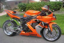 #Yamaha R1