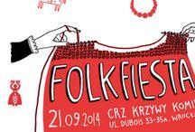 """Folkfiesta 21 Września 2014 /  21 września przestrzeń CRZ Krzywy Komin zapełni się wszelkimi przejawami tradycji dolnośląskich dzięki imprezie plenerowej FOLK FIESTA. FOLK FIESTA odbędzie się w ramach projektu """"Drogowskazy. Dolnośląska Mapa Legend i Rzemiosła"""", którego koncepcja opiera się na zwiększeniu wiedzy z zakresu kultury, tradycji i rzemiosła regionalnego poprzez nowoczesne narzędzia takie jak interaktywna mapa Dolnego Śląska. Projekt współfinansowany jest ze środków Ministerstwa Kultury i Dziedzictwa Narodowego."""