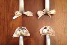 Shabby chic handles DIY / DIY shabby chic cupboard handles - very easy only need some old jewellery and metal paint