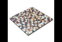 Mosaique / Le carrelage mosaique est un type de carrelage qui se compose de petites pièces de carrelage carrées, rectangulaires ou encore rondes qui sont assemblées de manière à former un motif défini et une harmonie de couleurs particulière.