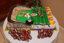 grooms cakes / by Travis Weekley