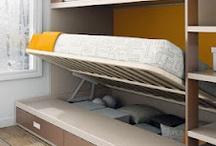Kids Up / Kids Up. Completamos con este catálogo el catálogo Kids Up Avance anterior. Una gran colección de mueble juvenil de muebles Ros. Resaltamos la introducción en este catálogo de mueble infantil, una linea para niños a partir de cuatro años, así como la presencia de una linea senior para jóvenes desde 18 años. Hemos seguido las ultimas tendencias juveniles, adaptándolas a los dormitorios y escritorios de nuestros chic@s. Camas, nidos, sofás, compactos, escritorios, armarios, estanterías.