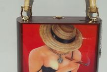 Places to Visit / The best Cuban Art. Oil Paintings, Cigar Box with artworks, beautiful purse, Dominoes Set . Your perfect gift at low prices.