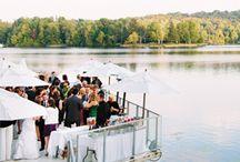 Mariages / Organisez votre mariage à couper le souffledans les Laurentides, une des destinations les plus romantiques au Québec. Surplombant majestueusement le lac Dupuis, notre hôtel de luxe sait apporter à chaque mariage une touche toute spéciale pour créer des moments mémorables grâce à son site exceptionnel.