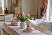 English shabby chic and farmhouse style