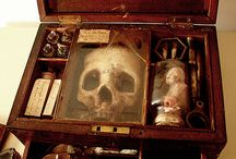 Antiques, oddities & artefacts
