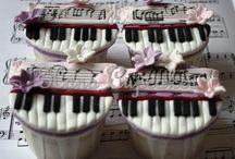 Creative Cupcakes / by Nola Lloyd