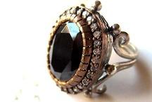 rings / by Esraa El-Naggar
