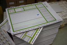 Drukwerk van klanten | bureau onderleggers / Regelmatig sturen onze klanten een fotootje van hun bestelde producten. Bekijk hier wat we zoal voor hen hebben mogen maken. Ook blij met een besteld product? Stuur ons een fotootje. Vinden we leuk!