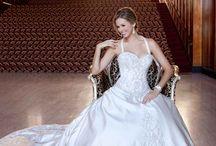 Future Wedding / by Samantha Garner