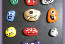 Pebble painting / Crafts