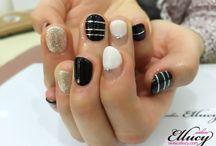 nail-black