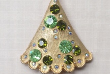 Christmas Tree Pins: Vintage Costume Jewelry / by GreenEyeGirl - That's Me