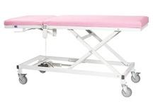 Muayene Masaları / Hastanelerde ve tıp merkezlerinde kullanılması için özel olarak tasarlanan muayene masaları, sahip olduğu mekanizma sayesinde çeşitli pozisyonlara uygun şekle getirilebiliyor.