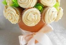 Cupcakes / by Stephanie Mahoney