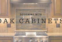 Oak Cabinets / Oak cabinets remain the popular choice among builders for kitchens. But how to design a traditional oak is a challenge!
