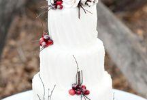 Christmas Themed Wedding Cakes