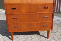 Retrosiden / Få inspiration til indretning af hjemmet med 1950 -1960 -1970-er møbler.