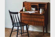 Desk / デスク・机