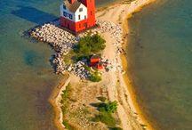 Lighthouse (Deniz feneri)