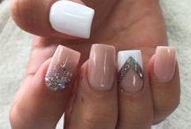 Nails popular