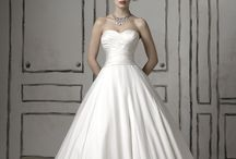 Wedding Dresses 2012 / by Celia Kilgore