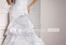 Wedding dresses / by Dee Torres