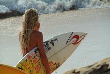 Surfer Girls / Beach & Summer Pictures