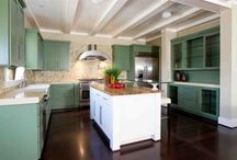 Built-ins for Dining in the Kitchen