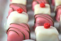 Sweets / by Kasiowa