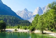 Slovenia Travel! / Everything you could possibly want to know about travelling and visiting Slovenia. This beautiful country has plenty of hidden gems and wonderful countryside. Here are itineraries and travel tips for your ultimate visit to Slovenia!