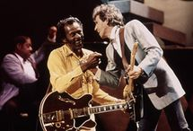 Chuck Berry & friends / Chuck sharing stage and chat with friends http://oigofotos.wordpress.com/2014/03/14/chuck-berry-la-incombustible-personificacion-del-rock-roll-a-traves-de-sus-magistrales-canciones/