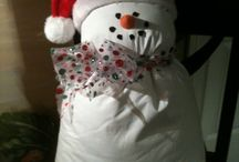Snowmen / by Cindy Lowery