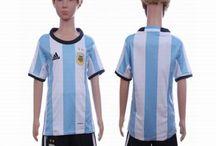 Billige Argentina fodboldtrøjer til børn / Køb billige Argentina fodboldtrøjer til børn online med oplag. Vi leverer nye Argentina billige fodboldsæt børn med lav pris og hurtig levering. Køb nu!