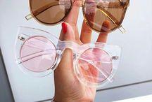 Badkläder och solglasögon